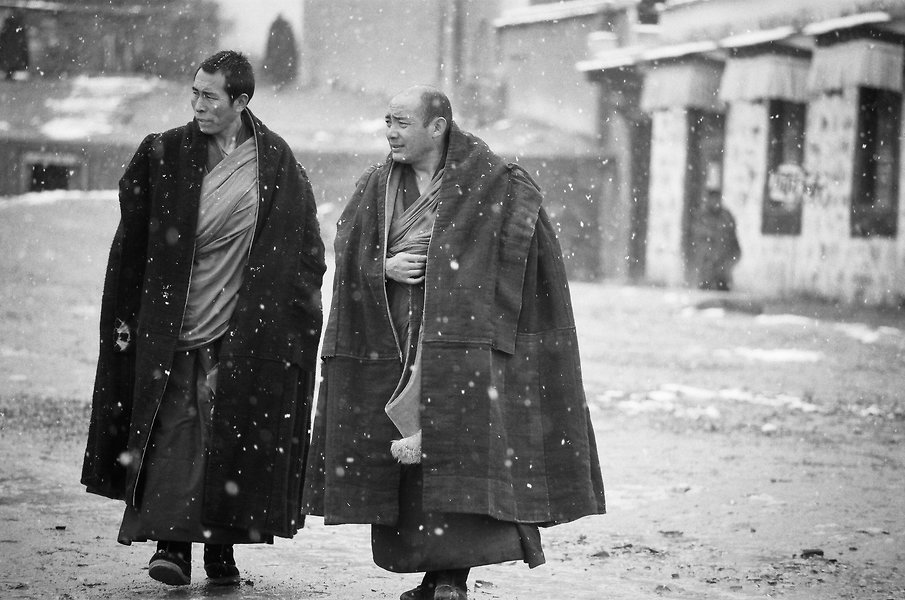 Xiahe 3 - Monks outside the temple in a light snow